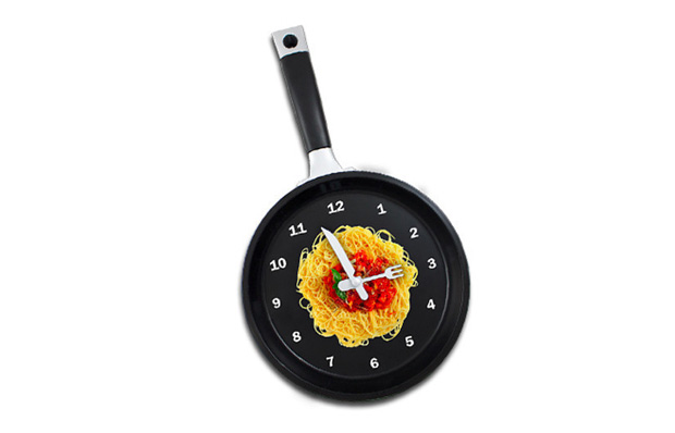 Frying Pan Wall Hanging Kitchen Spaghetti Clock