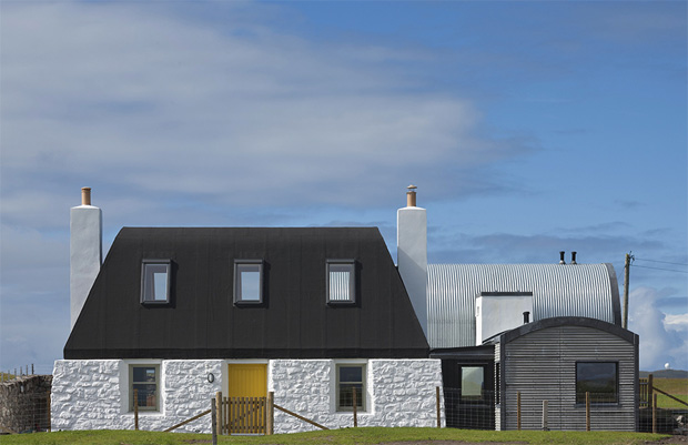 House No 7 Exterior