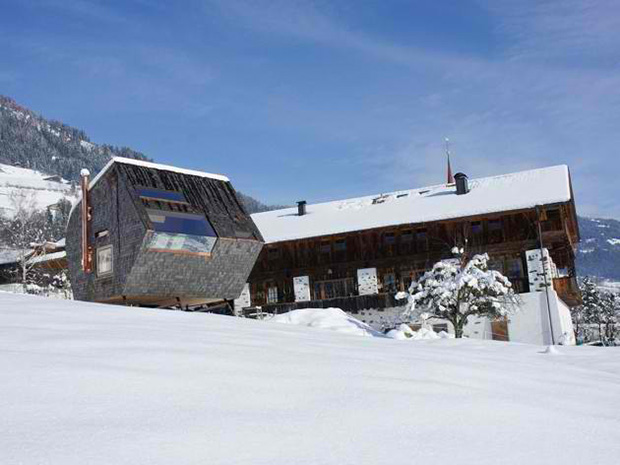 Ufogel Holiday House