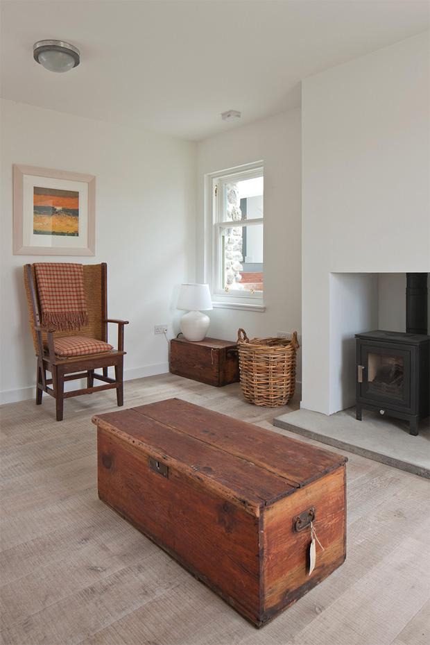 House No 7 Furniture