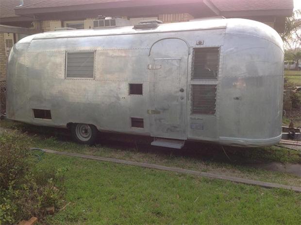 trashy trailer to salon