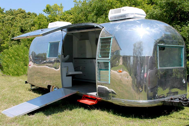 Camper Salon
