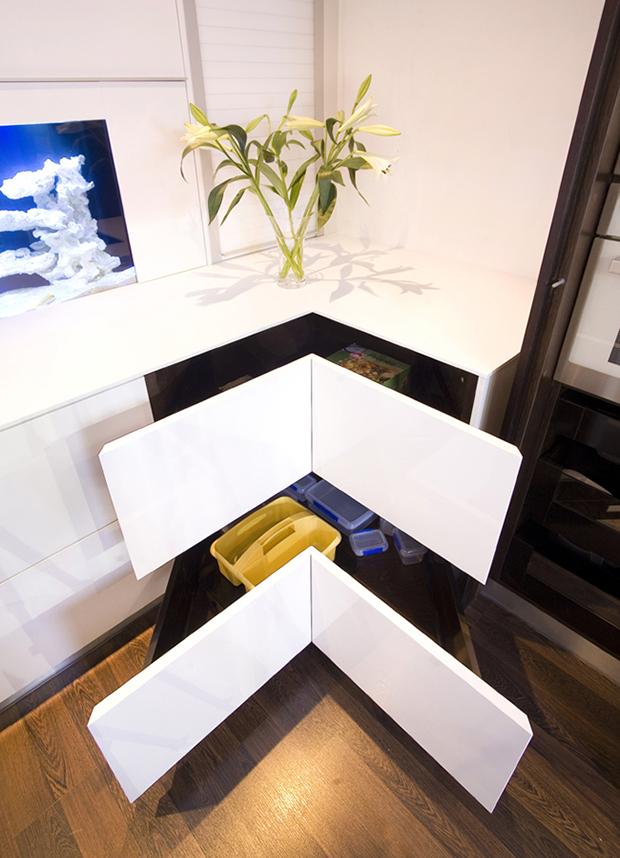 white corner drawers