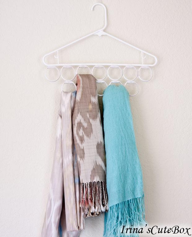 DIY Scarf Hanger
