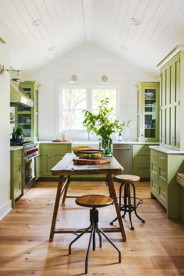 Farmhouse Colorful Kitchen Designs