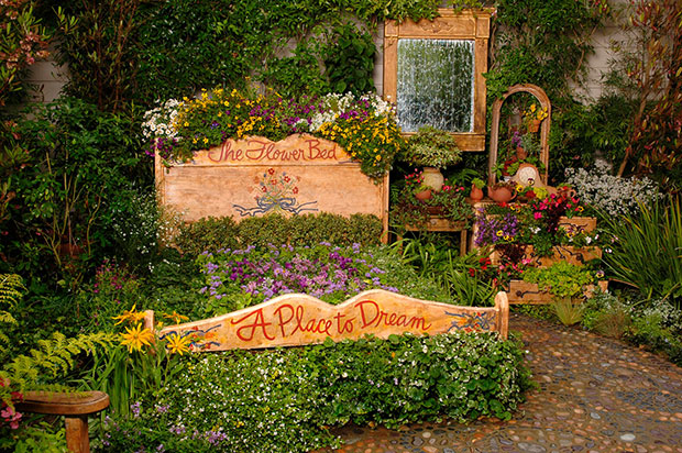 Antique Flower Bed Designs