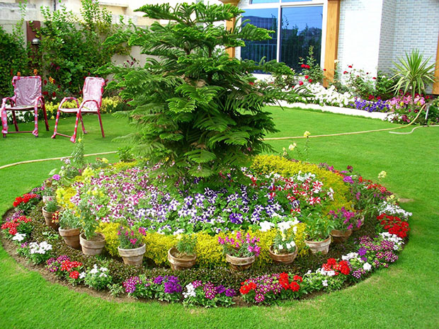 Flower Bed with Pots