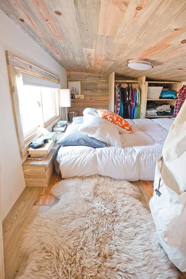 Cabin-Style Loft Small Bedroom Closet Ideas