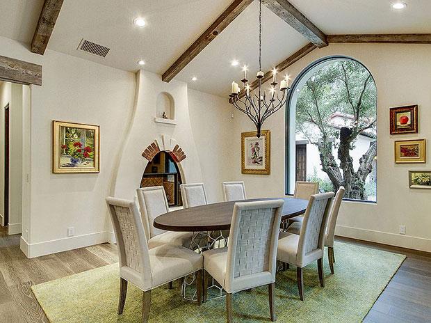 Modern Mediterranean Dining Room Designs