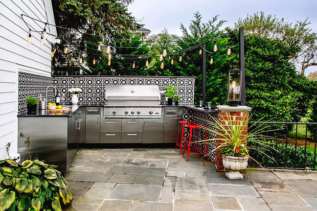 Riverview Outdoor Kitchen and Pool House